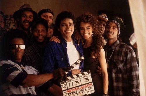 Photos Making of des clips de MJ ! - Page 4 A2